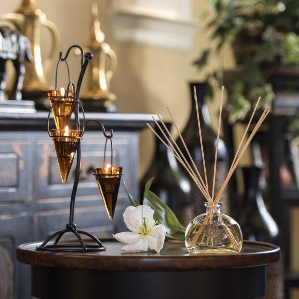 Custom Scented Candles | Onata Fragrances